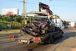 Osobní automobil po havárii s tramvají